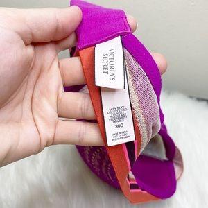 Victoria's Secret Intimates & Sleepwear - Victorias Secret Very Sexy Lightly Line Plunge Bra